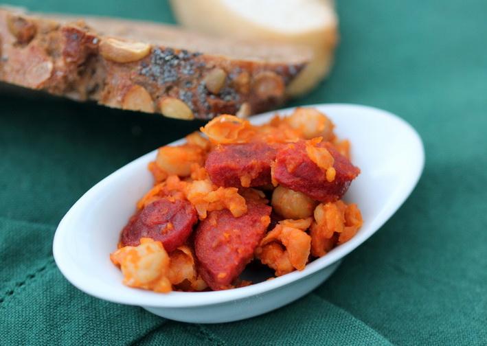 Chorizo s cizrnou