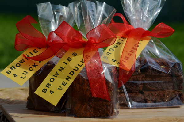 Čokoládové brownies zabalené