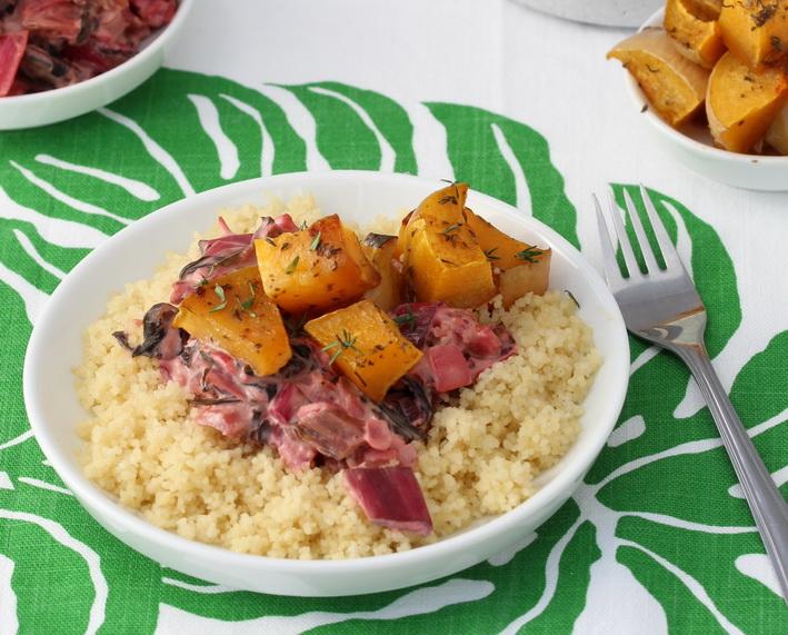 Sladká i pikantní pečená dýně, smetanový mangold a kuskus