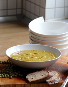 Slavná hrachová polévka neboli Erbsensuppe