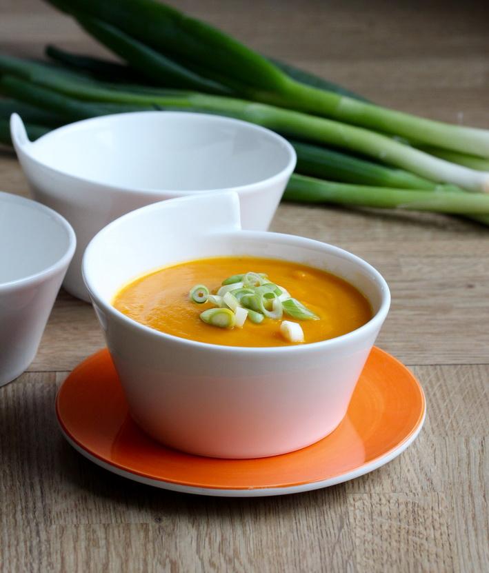 Mrkvová polévka se zázvorem a Miso pastou