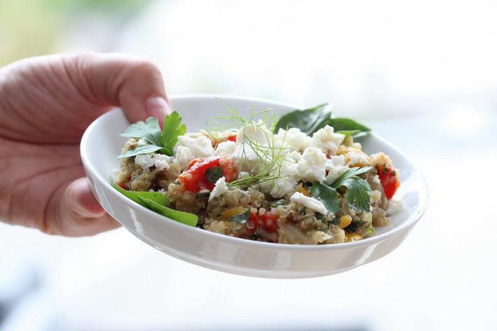 Quinoa s letní pečenou zeleninou